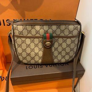 Vintage GG Gucci Shoulder and Crossbody purse
